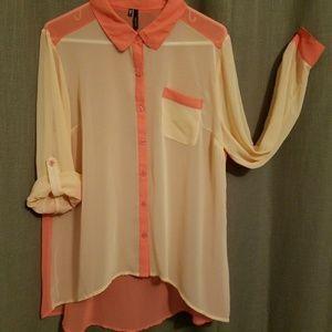 NWOT- dark and light peach shirt